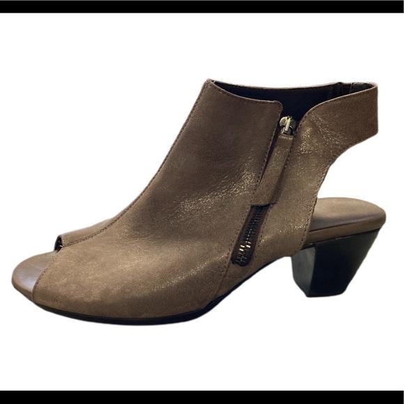Munro Bootie Sandal 9.5 Leather Brown Metallic